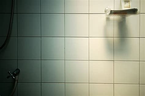 4 reasons to hire a professional grout and tile cleaner