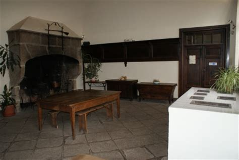 cuisine chateau cuisine et salle à manger chateau des bruneaux à firminy