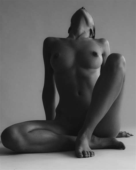 Rebecca Bagnol Nude Exhibited Collection 2019 The Fappening