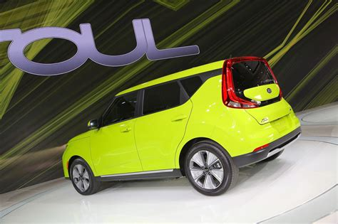Ev Car News by New Kia Soul Ev Oddball Crossover Surges On Car Magazine