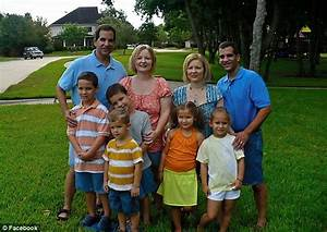 Identical twins Diane and Darlene Nettemeier marry ...