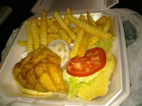 grouper eating burger tallahassee portion nice