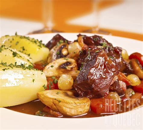 cuisine boeuf bourguignon boeuf bourguignon à la mijoteuse recettesduqc