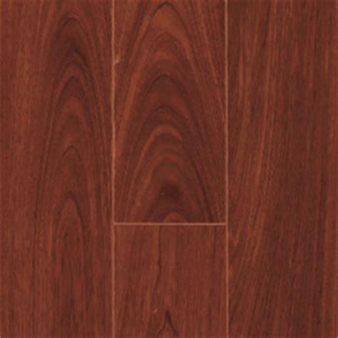huis muur: Lay laminate flooring through doorways
