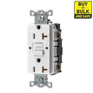 Hubbell 20 Amp 125 Volt White Indoor Decorator Wall Outlet