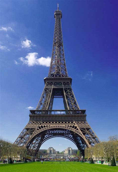 eiffel tower standing l eiffel tower is undoubtedly the most famous man made