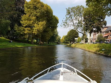 Boat Cruise Utrecht by Sneak To Boat Window For Fantastic Pictures Utrecht
