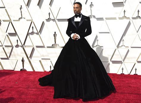 Billy Porter Kicks Off Oscars Carpet Velvet Tuxedo Gown
