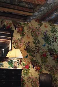 Bloomsbury Garden wallpaper by Timourous Beasties - and ...