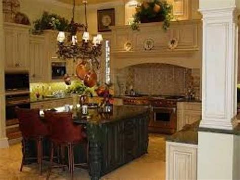 space above kitchen cabinets ideas ideas for above kitchen cabinet space 28 images above