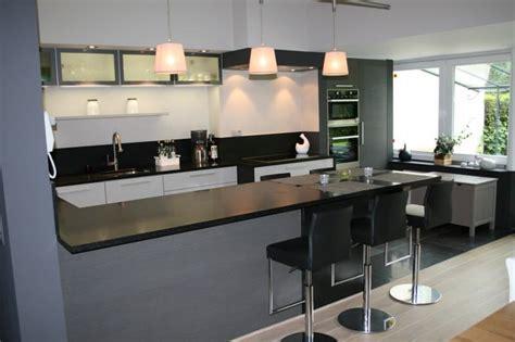 cuisine equipee avec table integree cuisine enavec collection avec ilot avec table int 233 gr 233 e images ascolour