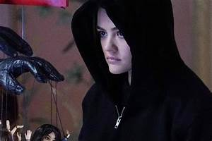 Pretty Little Liars Recap: Emison Is Official and Aria ...