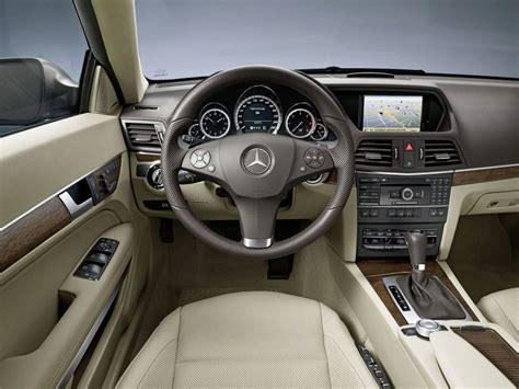 interieur mercedes class e 2009 coupe photo
