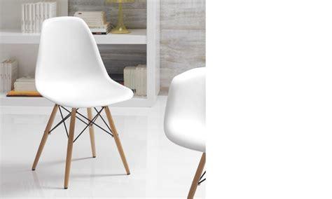 chaise blanche et bois clair moderne xanda lot de 4