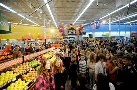 Shoppers Mart Openings by Walmart Sam S Club Employees Eligible For New Company Tuition Program