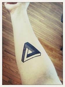 Tatouage Simple Homme : triangle de penrose tatou sur l 39 avant bras art tatouage ~ Melissatoandfro.com Idées de Décoration