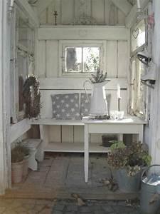 Gartenhaus Shabby Chic : gem tliches gartenh uschen im shabby chic stil unglaublich romantisch f r sch ne momente im ~ Markanthonyermac.com Haus und Dekorationen