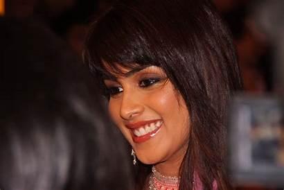 Genelia Souza Dsouza Wallpapers Smile Actress Age