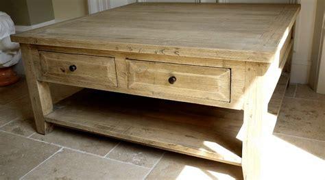grande table basse carr 233 e de style rustique en bois massif