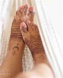 Weißes Henna Tattoo : die besten 25 lotus tattoo fu ideen auf pinterest wei e fu tattoos fu tattoo ~ Frokenaadalensverden.com Haus und Dekorationen