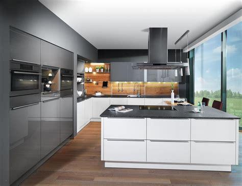 küchen modern mit kochinsel k 252 che mit holzboden beliebt kuchen wandfliesen modern