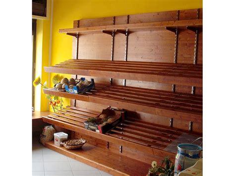 scaffali in legno per negozi rustica arredi in legno per alimentari panetteria frutta