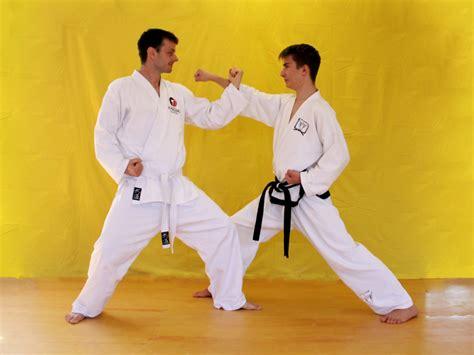quereinsteiger stuttgart taekwondo f 252 r anf 228 nger einsteigerpaket jungdo