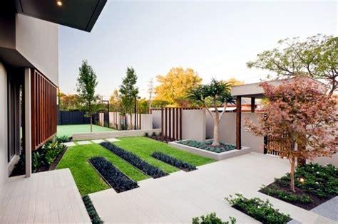 landscape garden balanced minimalist design style  interior design ideas ofdesign