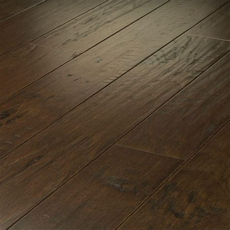 shaw flooring hardwood shaw take home sle western hickory saddle click hardwood flooring 5 in x 8 in dh840 941