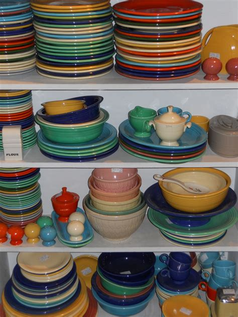 fiesta dishes ware kitchen colors colored fiestaware go history pieces antiques dinnerware dish pottery rainbow lighter bright want were fiestas