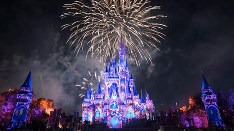 paris at christmas 2019 happily ever after fireworks show at magic kingdom walt