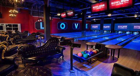 Bowling Alley & Arcade at Chelsea Piers | Bowlmor