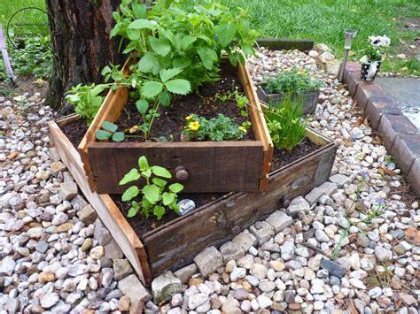 Do It Yourself Terrassenbau Selbst Gemacht by Tischbeet Oder Kistenbeet Ein Hochbeet Mal Anders