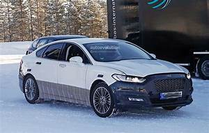 Ford Mondeo Rear Lights 2017 Ford Mondeo Facelift Spyshots Reveal Refreshed Lights