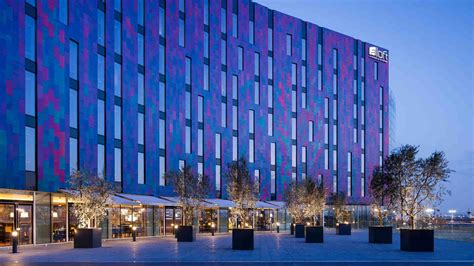 Aloft London Excel  News  Docklands, London. Desroches Island Resort. C Hotel & Spa. Romantik Hotel Johanniter Kreuz. Pensiunea Daria Hotel. Ferienhof Tiergarten Hotel. Hotel Am Park. Silver Shoe B And B. Ottawa Apartment Suite Hotel
