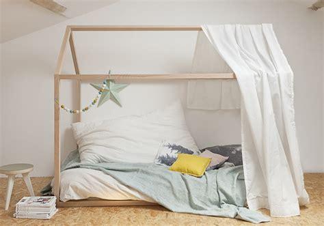 pose vetement pour chambre craquez pour un lit cabane dans la chambre d 39 enfant