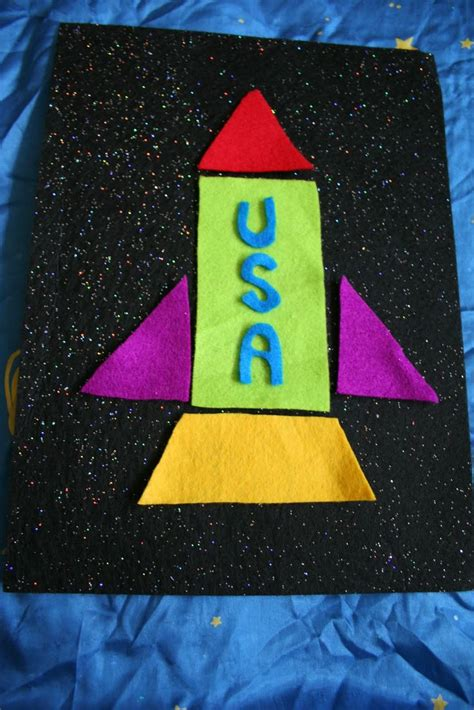 outer space preschool pink and green 571   1c903efc2f6861e4674462560eab0a27 outer space crafts pre school crafts