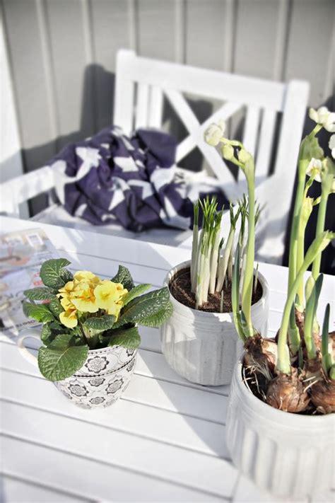 awesome spring balcony decor ideas digsdigs