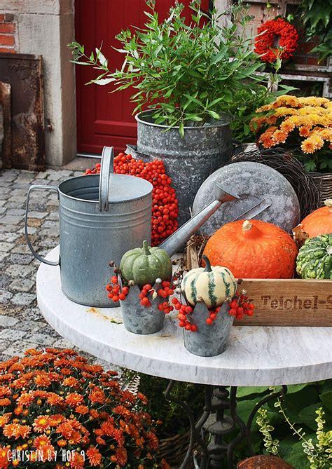 Kuerbis Dekorationsideenfarbige Dekoration by Dekoration Mit K 252 Rbis Eberesche Herbstkranz Herbstdeko