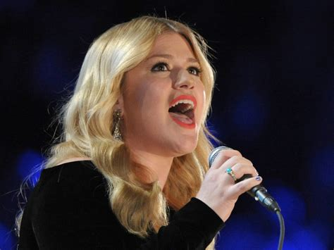Ccol4him's Claymania: New Baby For Kelly Clarkson!