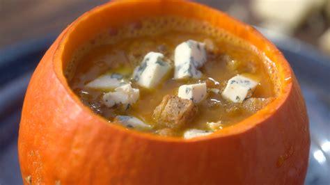 recettes cuisine laurent mariotte ma recette de soupe de potimarron à la fourme d 39 ambert