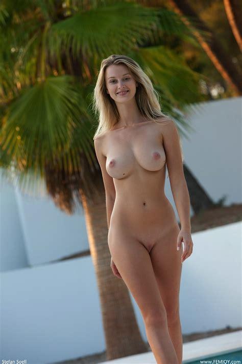 Carisha Nude In Photos From Femjoy