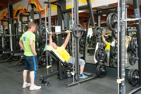 salle sport la rochelle salle de sport la rochelle musculation et fitness gigagym fr