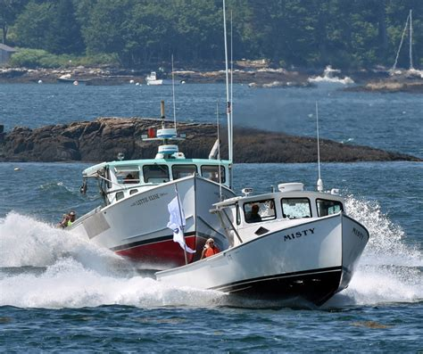 Lobster Boat Races by New Organizers Carry On Tradition Of Bristol Lobster Boat