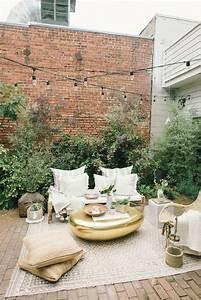 Tapis D Extérieur Pour Terrasse : 15 id es pour am nager une petite terrasse un coin cosy avec un tapis terrasses balcons ~ Teatrodelosmanantiales.com Idées de Décoration
