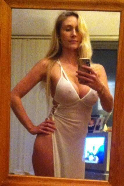 5 Milf Sexting Pics You Wish You Got On Your Phone