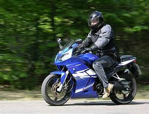 125 Daelim Roadwin : fahrbericht daelim roadwin 125 r motorradtests motorrad ~ Gottalentnigeria.com Avis de Voitures