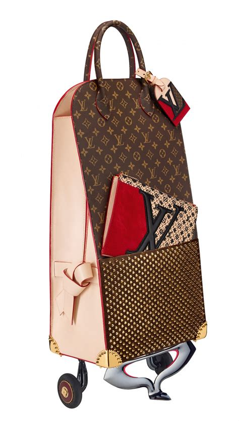 news christian louboutin  celebrating monogram  louis vuitton
