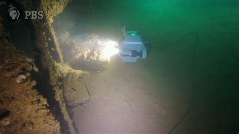 underwater   sunken uss arizona
