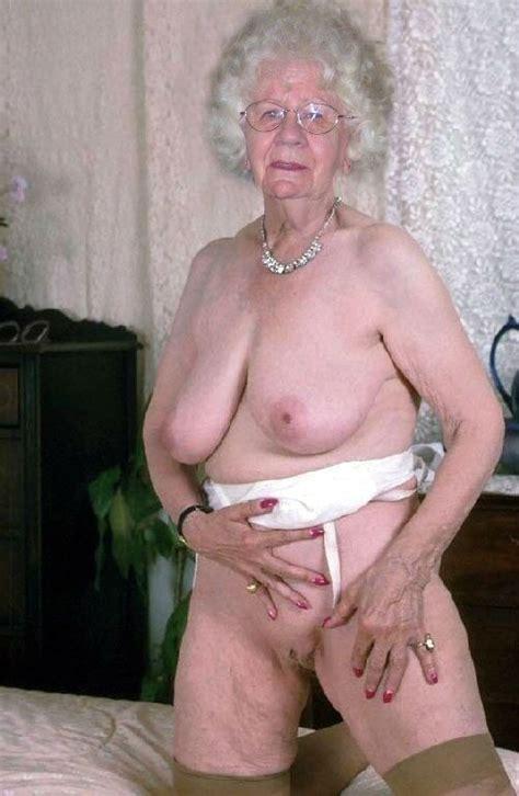 Granny Mildred Exposes Mature Porn Photo